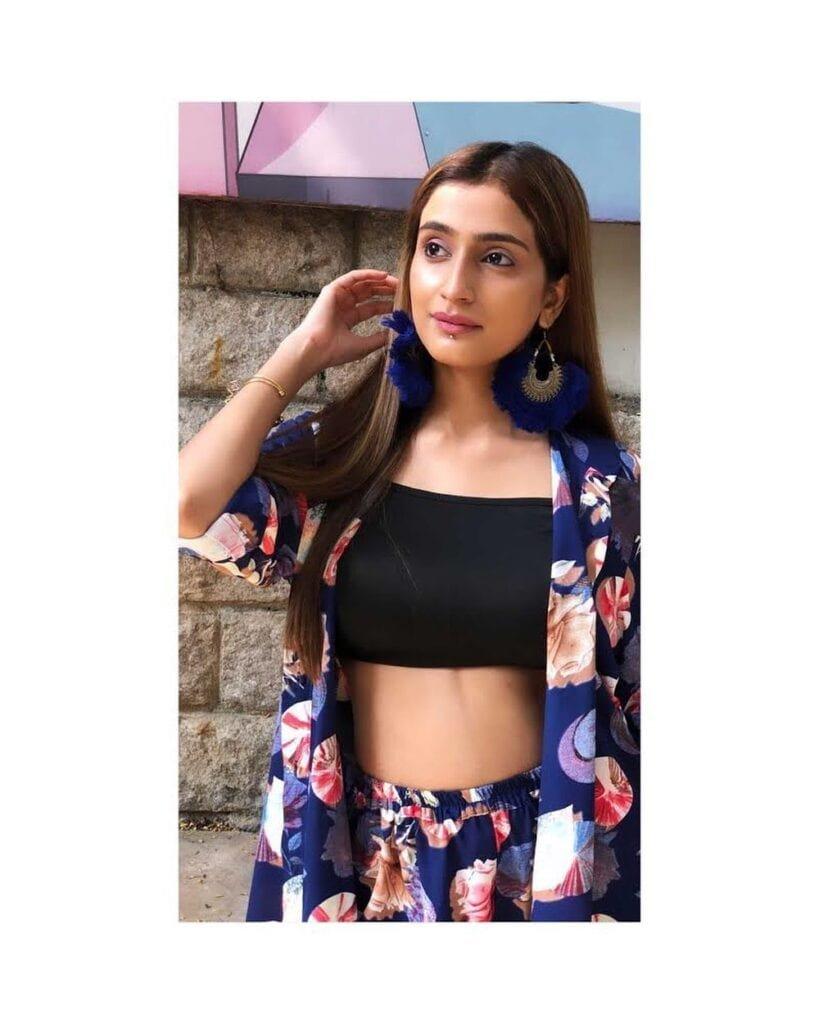 Fashion Blogger Fasiha Waseem Interview